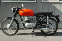 Berneg 175 イタリア車