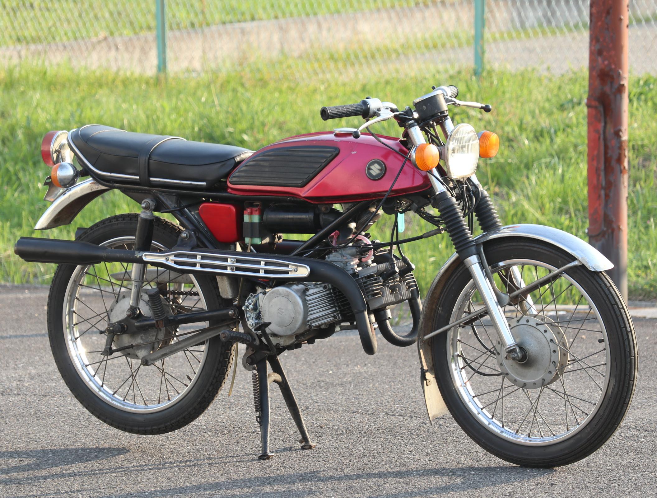 スズキ ウルフ T90 赤