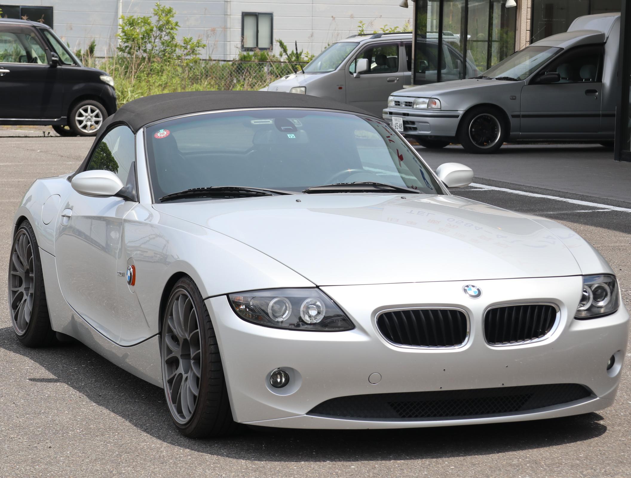BMW Z4 3.0i SMG シルバー
